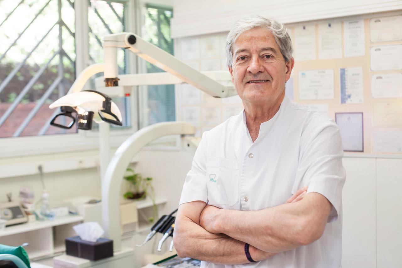 Dr-Jesús-Santos-Clinica-Dental-Murtra