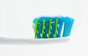 Triclosán - cepillo de dientes y pasta